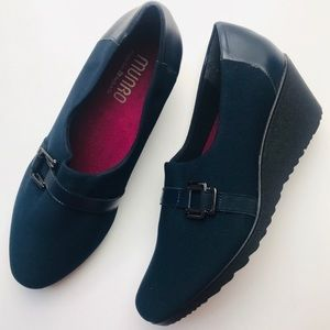 Munro Mindy Wedge Navy with Black Leather Trim